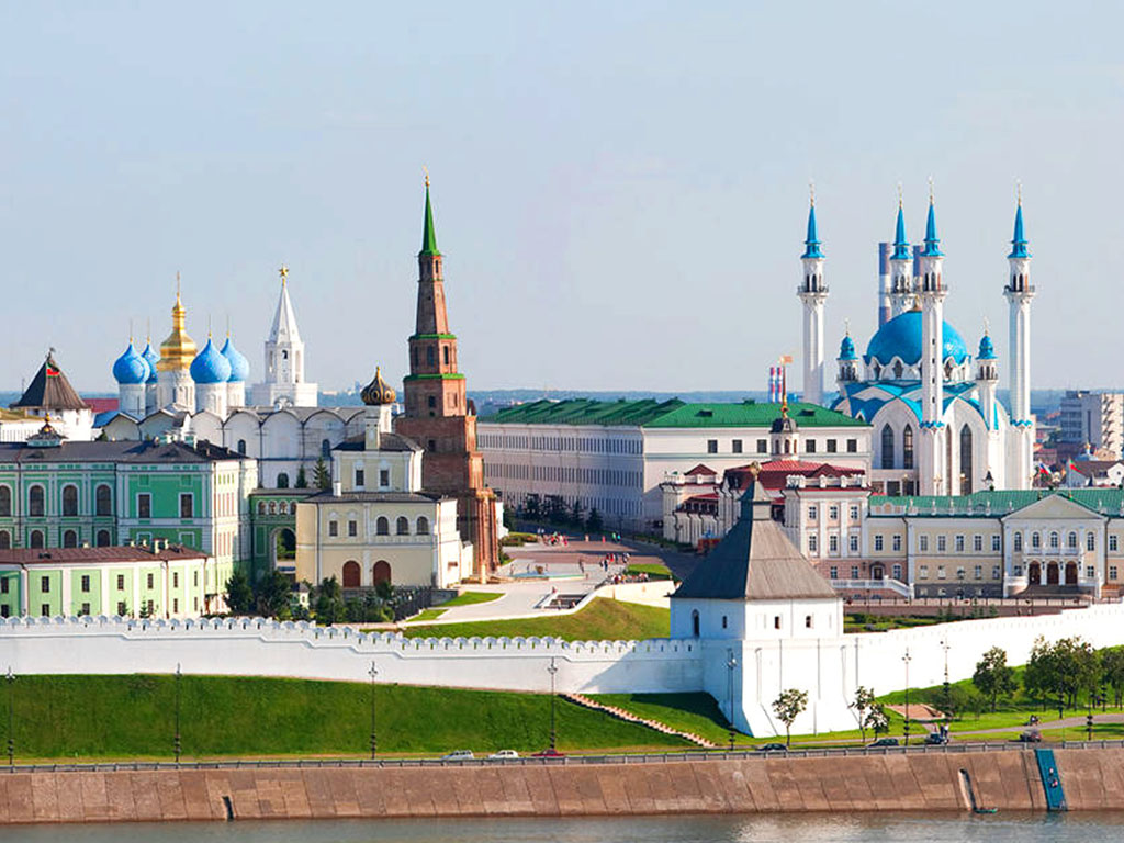 Walking tour of the Kazan Kremlin