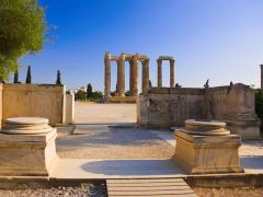 32_Temple-of-the-Olympian-Zeus-at-Athens,-Greece---travel-background