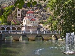 10_Traditional-Orthodox-Greek-church-at-Kefalari,-Peloponnesus,-Greece