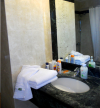 City Marina Hotel: bathroom