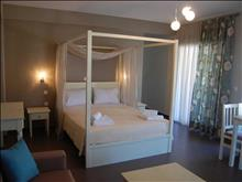 Ntinas Filoxenia Hotel-Apartments: Deluxe Room (sample)