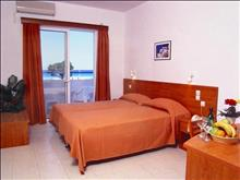 Pylea Beach Hotel: Twin Room