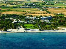 Caravia Beach Hotel and Bungalows  - photo 2