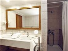 Alexander The Great Hotel: Bathroom