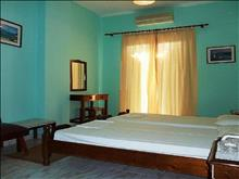 Perama Hotel: Double Room