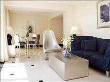 OUT OF THE BLUE, Capsis Elite Resort, Exclusive Collection : Suite One Broom Maisonette