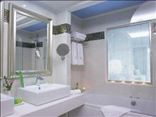 Atrium Platinum Luxury Resort Hotel & Spa: Bathroom