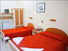 Aristoteles Beach Hotel : Standard room