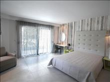 Flegra Beach Boutique Hotel Apartments: Triple