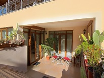 5 bedroom Villa  in Lagonissi  RE0122
