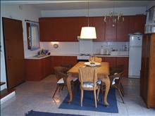 3 bedroom Maisonette  in Fourka  RE0386