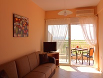 2 bedroom Maisonette  in Paralia Dionysioy   RE0402