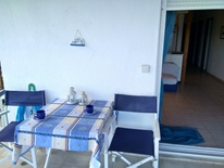 3 bedroom Flat  in Nea Peramos  RE0788